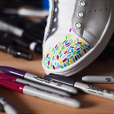 Sneaker with Colorful Drawing