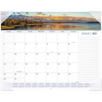 "AT-A-GLANCE® Landscape Panoramic Desk Pad, 22"" x 17"", Landscapes, 2022"